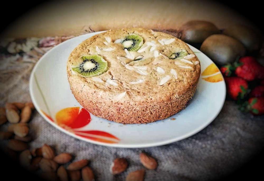 torta vegan kiwi e mandorle